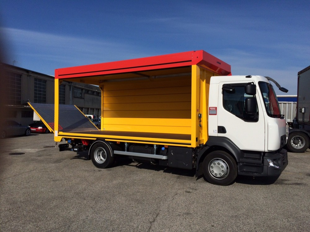 Photos des camions renault gamme d for Renault gamme t interieur