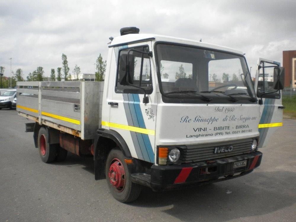 camions iveco unic   gamme et mod u00e8les